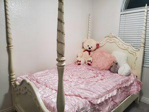 Full Size Princess Style Bedroom Set for Sale in Pomona, CA