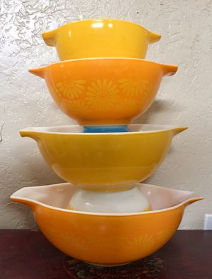 Pyrex Cinderella nesting bowls sunflower daisy for Sale in Fullerton, CA