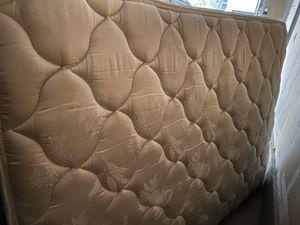 Queen bed for Sale in Renton, WA