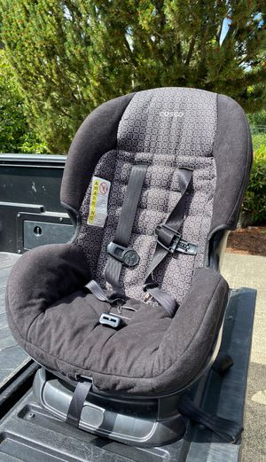 Cosco car seat FREE. Outgrown this size. Used at most once a week by my grandchild. for Sale in Gig Harbor, WA