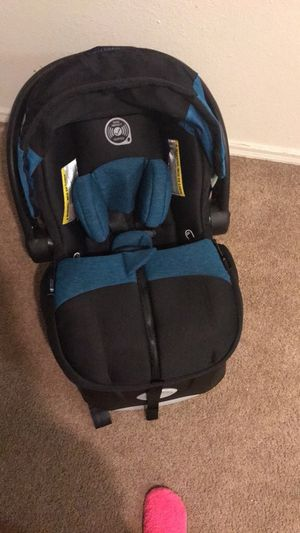 Infant car seat for Sale in Lawton, OK