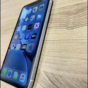 iPhone Xr 128gb Unlocked for Sale in Greater Upper Marlboro, MD