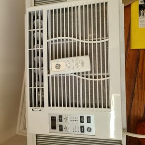 6000 BTU Air Conditioner for Sale in Philadelphia, PA