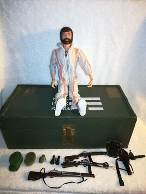 "G. I. JOE ACTION FIGURE 1964 TOY 12"" DOLL FOOT LOCKER CLOTHES for Sale in Philadelphia, PA"