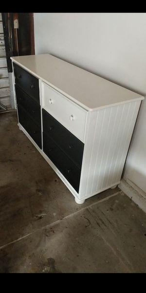 Dresser for Sale in Whittier, CA