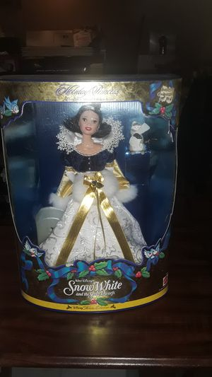 VINTAGE WALT DISNEY'S SNOW WHITE AND THE 7 DWARFS BEAUTIFUL FIGURE NEW IN ORIGINAL BOX UNOPENED for Sale in Providence, RI