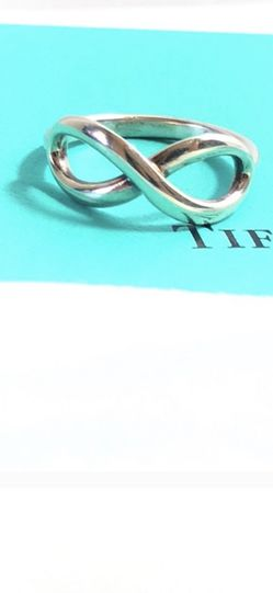 EUC Tiffany & Co. Infinity Ring Size 6.5 for Sale in Arlington,  VA