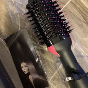 New One Step Styling Hair Brush Blow Dryer for Sale in Alsip, IL