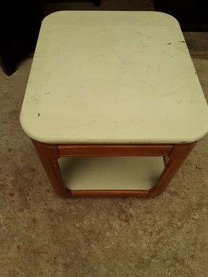 Coffee table $15 for Sale in Modesto, CA