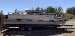 25ft pontoon boat Aluminum shade Needs upholstery and TLC Been sitting awhile Too much boat for owner Good motor 45hp Mercury in Ehrenberg, AZk for Sale in Globe, AZ