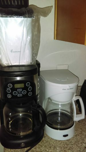 WHITE TOASTER SOLD $$$$10 firm for the black coffee maker, Brand new toastmaster popcorn popper in good condition for Sale in Glendale, AZ