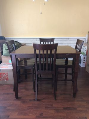 High Top Dining Table for Sale in Pomona, CA