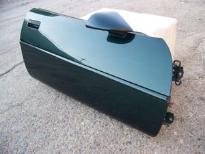 1995 CORVETTE RH PASSENGER DOOR OEM for Sale in Montclair, CA