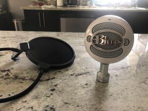 Blue Snowball Microphone + Pop Filter for Sale in Vero Beach, FL