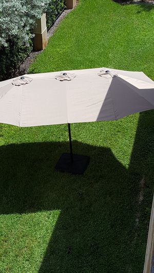 NEW- 15.5 ft Diameter outdoor backyard patio sunshade poolside cover your lounge chair Day, daybed, BBQ Grill, Furniture NOT included for Sale in Pembroke Pines, FL