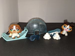 LPS dogs and Igloo accessories for Sale in Tacoma, WA