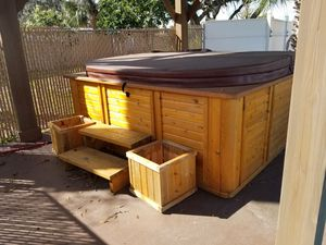 Large waterfall Hot Tub for Sale in Wimauma, FL