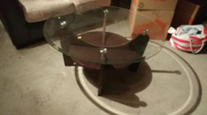 Glass Coffee table and 1 end table for Sale in District Heights, MD