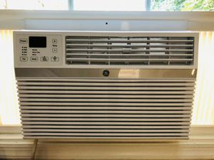 GE Smart Window AC with remote control (8000 BTU) for Sale in Germantown, MD