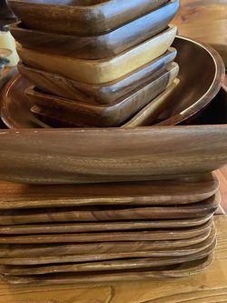 Wooden Dinner Plates(8) 6 Wooden Salad Bowls, 1 Lg Wooden Salad Bowl And 1 Med Salad Bowl for Sale in Rockville,  MD