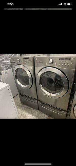 Like new lg washer and gas dryer for Sale in Orange, CA