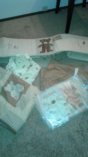 Nursery Teddy Bear Set by Eddie Bauer (Pending sale) for Sale in Federal Way, WA