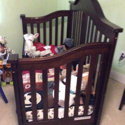 3 In 1 Crib To Toddler To Full Bed for Sale in Vidalia,  GA