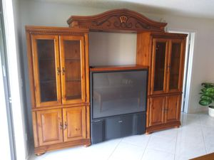 Solid Wood Wall Unit, Excellent Condition for Sale in Plantation, FL