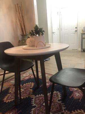 Modern table and two chairs for Sale in Murfreesboro, TN