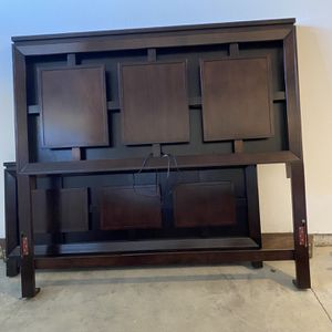 Free Bed Frame for Sale in Gresham, OR