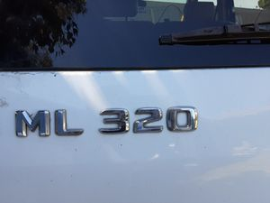 Mercedes. ML320. Tiene problemas mecanico. Pueden usar partes for Sale in Moreno Valley, CA
