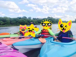 6 kayaks with paddle & live vests/ pelican/ future beach/life time brand/ for Sale in Des Plaines, IL