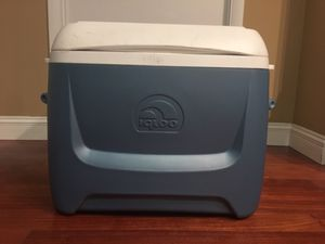 Igloo rolling cooler for Sale in Washington, DC