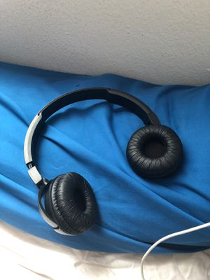 Jbl Bluetooth headphones for Sale in Germantown, MD