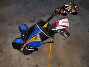 Great kids set of golf clubs and bag! LEFTY Retail 130$ for Sale in Bolingbrook, IL