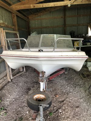 1968 Glassmaster boat and 9.9 Nissan motor for Sale in Whitehall, OH