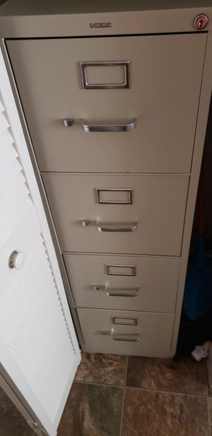 4 drawer HON Brand file cabinet! for Sale in St. Louis, MO