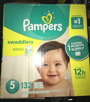 Pampers diapers/pañales size 5 Swaddlers for Sale in Downey, CA