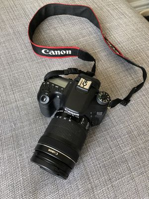 Canon EOS 70D like new, with case for Sale in San Francisco, CA