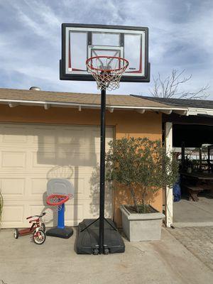 Basketball hoop for Sale in Jurupa Valley, CA