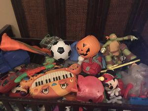 Crib FILLED with baby and kids toys for Sale in GREENWEL SPGS, LA