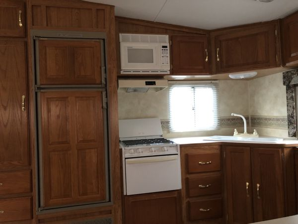 2007 palomino 5th wheel 28 foot camper trailer, with awning & slide out !