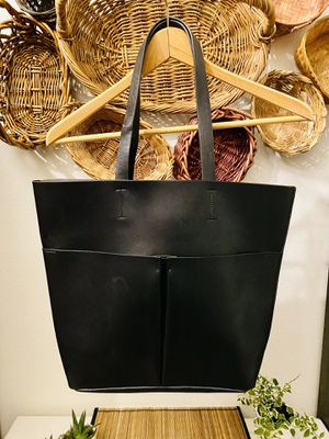 Classic Black Neiman Marcus Tote Bag for Sale in Bonney Lake, WA