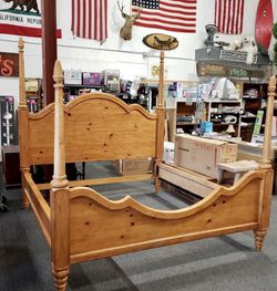 Knotty Pine King Sized Bed - Delivery Available for Sale in Tacoma,  WA