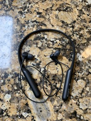Sony WIC600N/B Wireless Noise Cancelling Headphones (Retail $149) for Sale in Pembroke Pines, FL