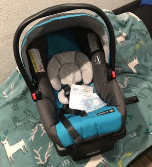 New GRACO CAR SEAT AND BASE for Sale in Riverside, CA