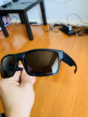 New Polarized Oakley TwoFace Sunglasses With Original Packaging for Sale in La Puente, CA