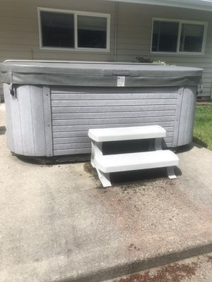 Hot tub for Sale in Bothell, WA