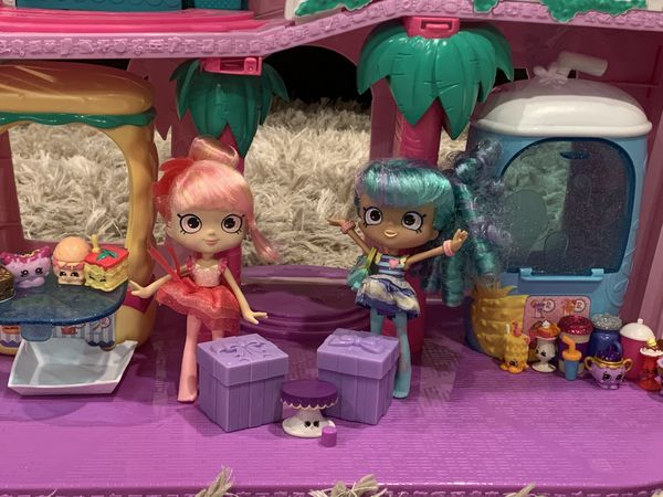 Shopkins Super Mall with 55 Shopkins and two dolls. $50