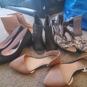 Women shoe lot size 8-9 for Sale in Berkeley, CA